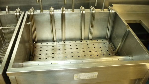 Kitchen Equipment Cleaning, Industrial Kitchen Fryer - Commercial, Industrial and Domestic Kitchen Equipment / Industrial Oven Deep Cleaning throughout Preston, Blackpool, Cumbria, Lake District, Manchester, Liverpool, Chester, Lancashire and the North West.